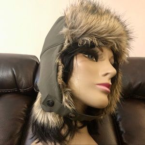 NWT Columbia Winter Challenger Trapper Hat S/M